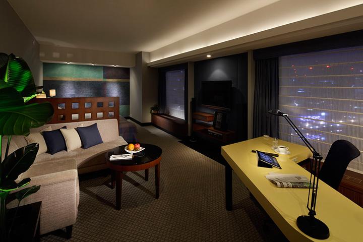 Stylish Luxury - Corner Suite