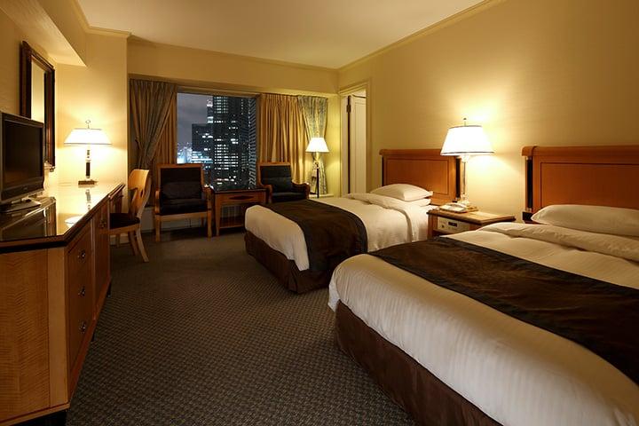 Deluxe Floors - Suite Bedroom
