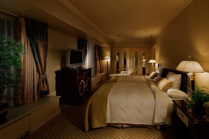 European Classic - Deluxe Suite Bedroom