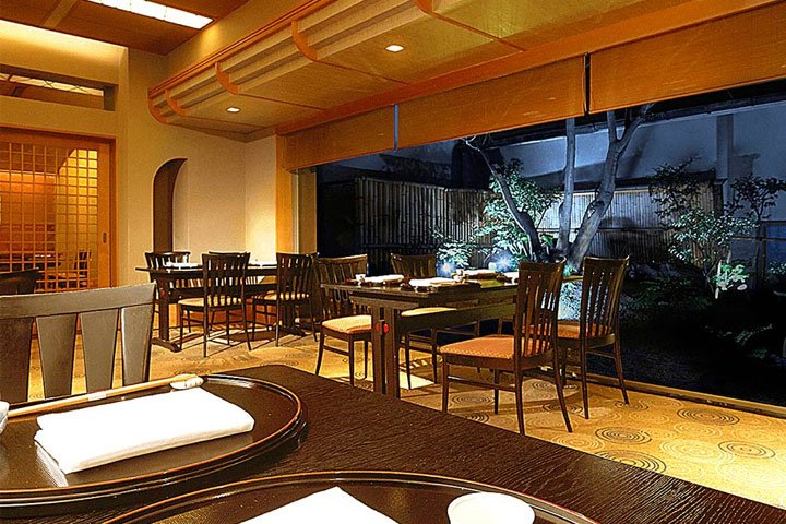 Japanese restaurant SARAKURA