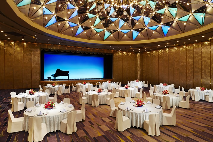 Royal Hall - Banquet Style (Round Table)