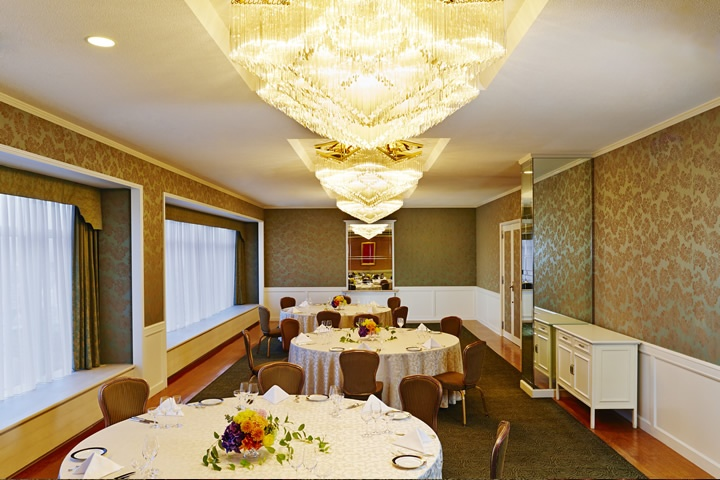 Emerald Room - Banquet Style (Round Table)