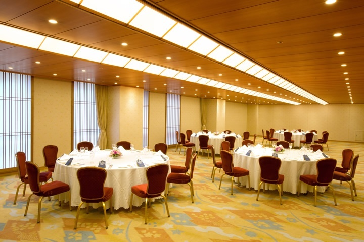 Kaede(Maple) - Banquet Style (Round Table)